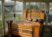 Die Hard Harley Davidson Fan