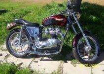 Brent's 1977 750 Bonny / Motorbike