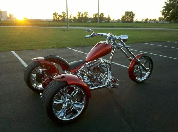 Harley Davidson Chopper Looking Bike