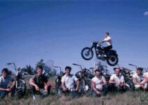 Triumph Photo Bomb | Motorbike